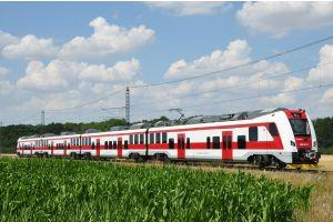 V žilinskom kraji sa plánuje nasadenie najnovších elektrických jednotiek radu 660 (tento obrázok). Na ďalších slovenských regionálnych tratiach, napríklad vo Zvolene, sú už nasadené nízkoemisné dieselmotorové jednotky (titulný obrázok článku).